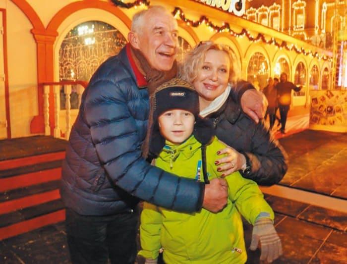 Сергей Гармаш с женой и сыном Иваном | Фото: tele.ru
