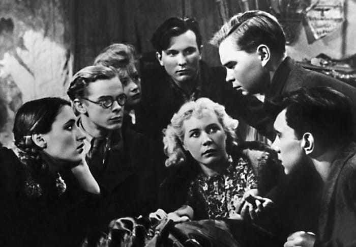 Кадр из фильма *Молодая гвардия*, 1948   Фото: kino-teatr.ru