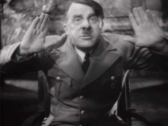 Сергей Мартинсон в роли Гитлера в фильме *Третий удар*, 1948   Фото: kino-teatr.ru