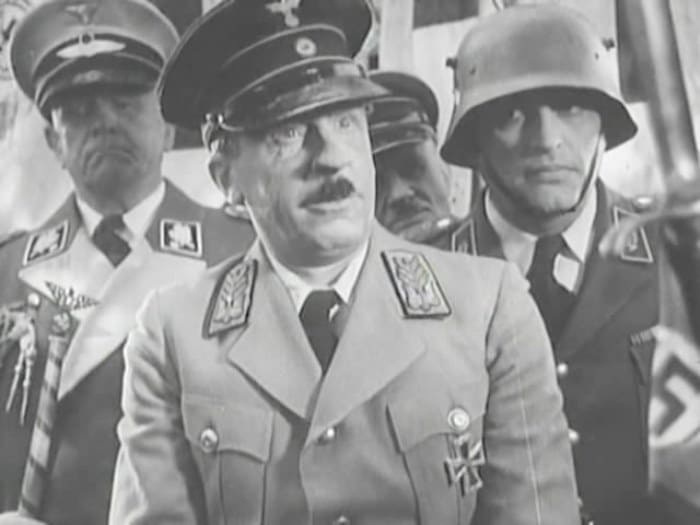 Сергей Мартинсон в роли Гитлера, 1941   Фото: kino-teatr.ru