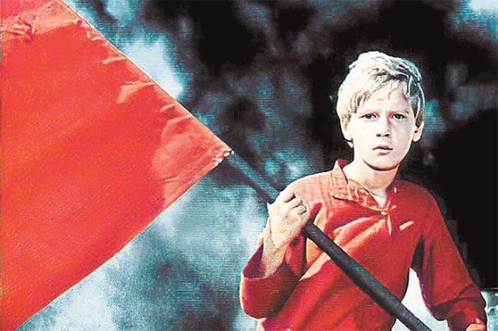 Сережа Остапенко в роли Мальчиша-Кибальчиша | Фото: aif.ru