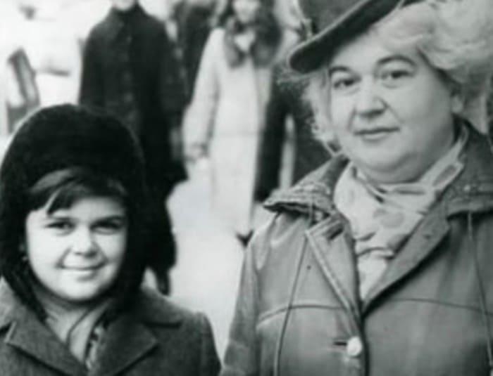 Сергей Рост с мамой   Фото: starhit.ru