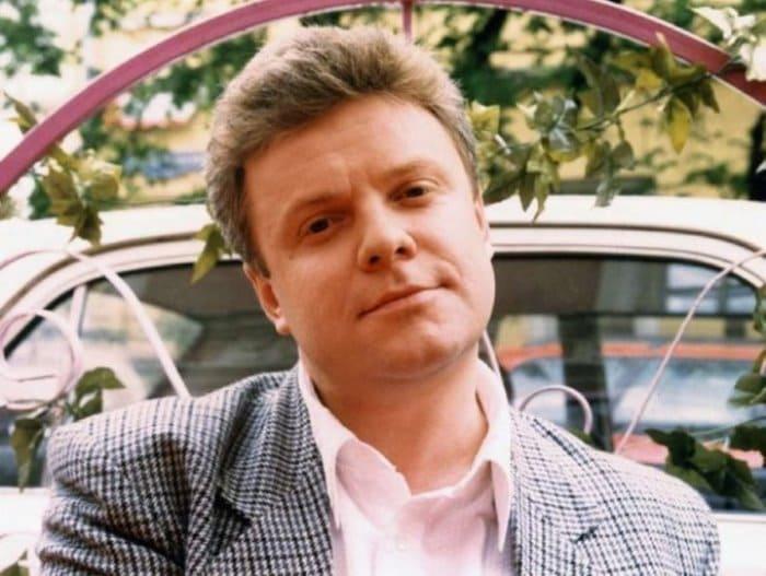 Знаменитый телеведущий Сергей Супонев | Фото: art-oboz.ru