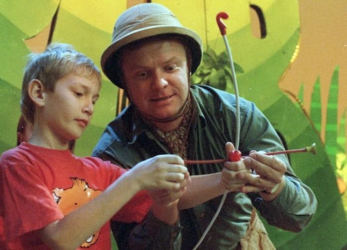 Лучший друг детей 1990-х гг., ведущий Сергей Супонев | Фото: art-oboz.ru