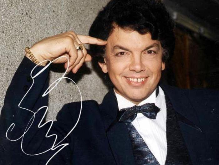 Знаменитый певец Сергей Захаров | Фото: actionlist.ru