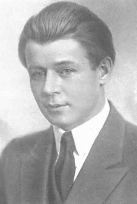 С. Есенин, 1924   Фото: esenin.niv.ru