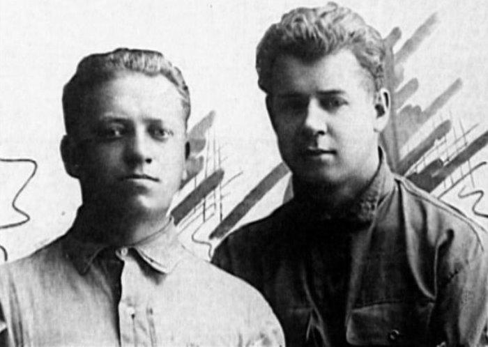 П. Чагин и С. Есенин, Баку, 1924   Фото: esenin.ru