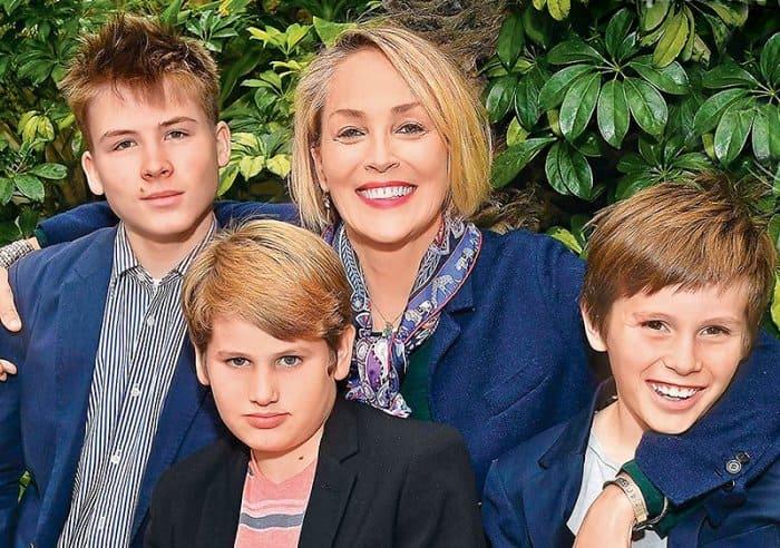 Актриса с сыновьями, 2017 | Фото: 7days.ru