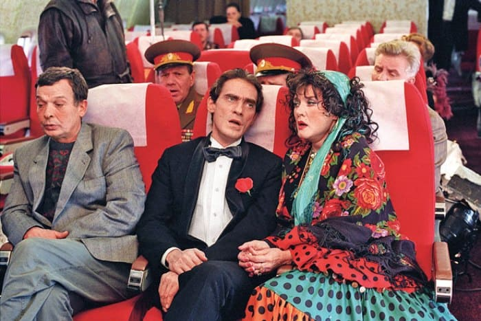 Кадр из фильма *Ширли-мырли*, 1995 | Фото: 2.wi-fi.ru
