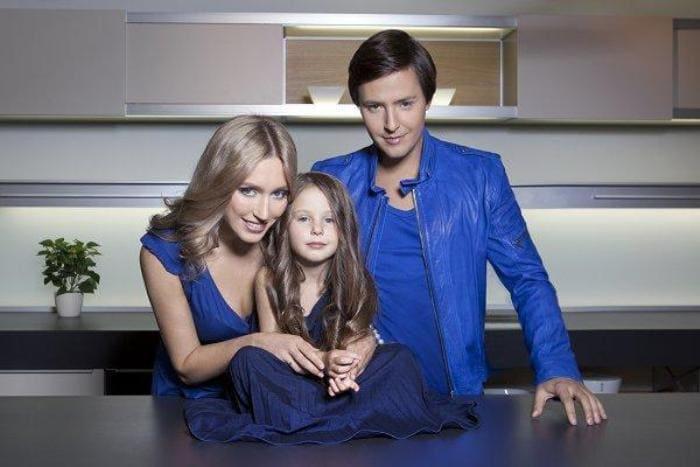 Артист с семьей | Фото: stuki-druki.com