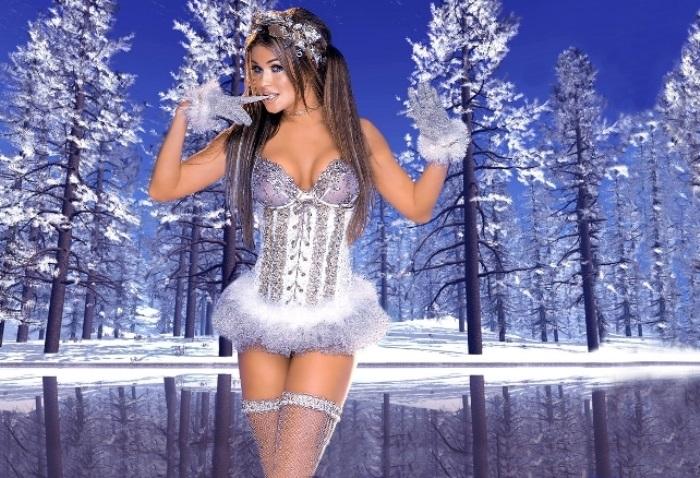 Кармен Электра в образе Снегурочки