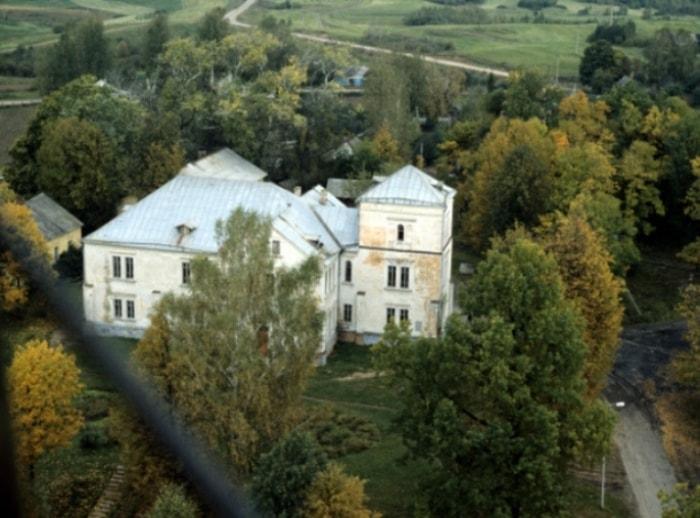 Дом в Полибино, где прошло детство Софьи Ковалевской | Фото: aif.ru