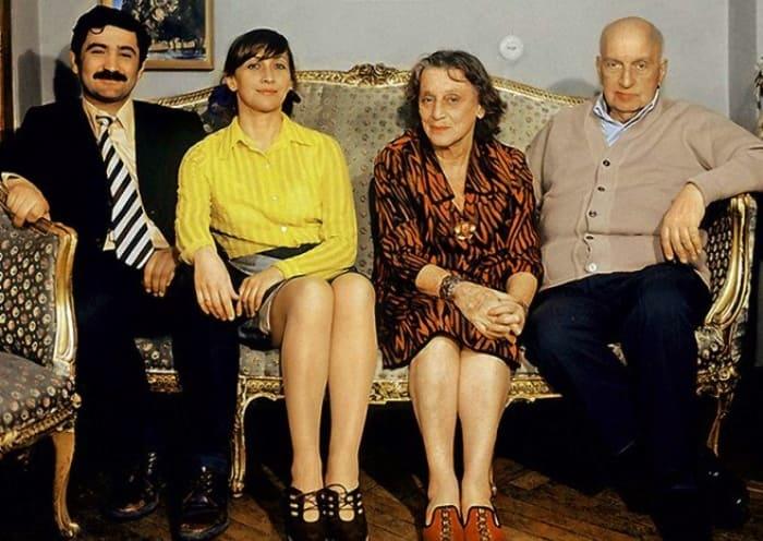 Георгий Шенгелая, Софико Чиаурели и ее родители | Фото: kino-teatr.ru