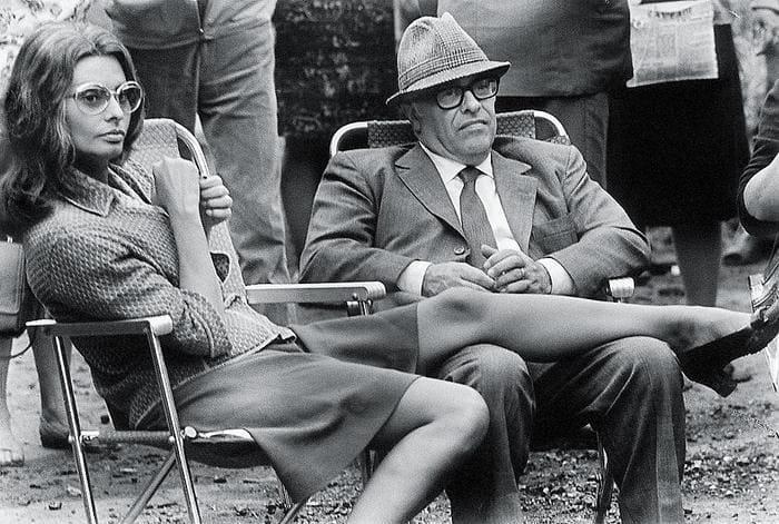 Софи Лорен и Карло Понти на съемках фильма *Подсолнухи*, 1969. Фото В. Генде-Роте | Фото: newsland.com