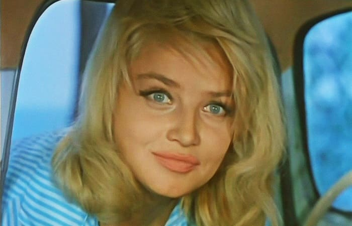 Наталья Кустинская в фильме *Три плюс два*, 1963 | Фото: kino-teatr.ru
