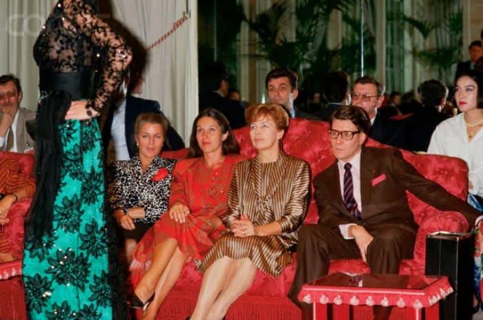 Раиса Горбачева на закрытом показе YSL (Ив Сен-Лоран), 1986 | Фото: foto-history.livejournal.com