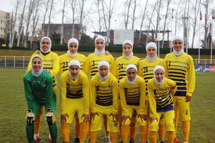 Женская футбольная сборная Ирана   Фото: sports.ru
