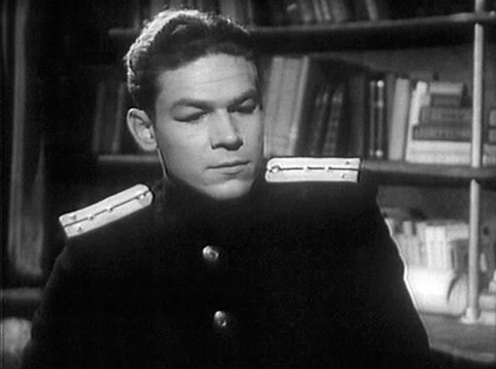 Кадр из фильма *Голубые дороги*, 1947 | Фото: kino-teatr.ru
