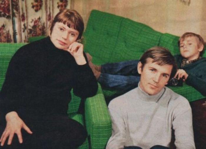 Актер с первой женой Светланой и сыном Вадимом, 1972 | Фото: kino-teatr.ru