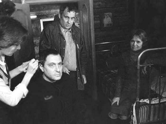 Режиссер и актеры на съемках фильма, 1982 | Фото: liveinternet.ru