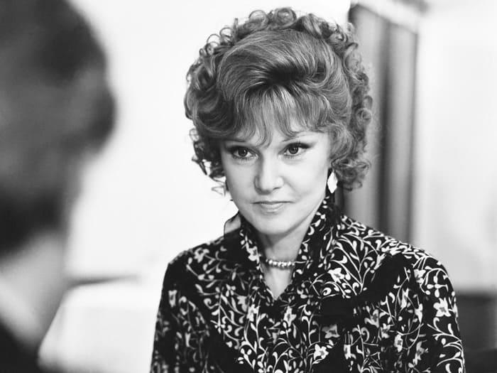 Людмила Гурченко на съемках фильма *Вокзал для двоих*, 1982 | Фото: fb.ru