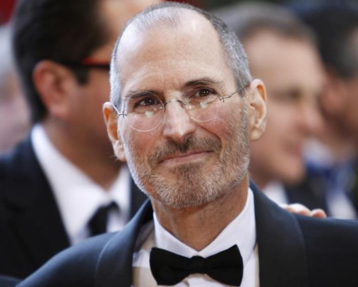 Когда того требовал случай, Джобс выглядел весьма элегантно | Фото: ibtimes.com