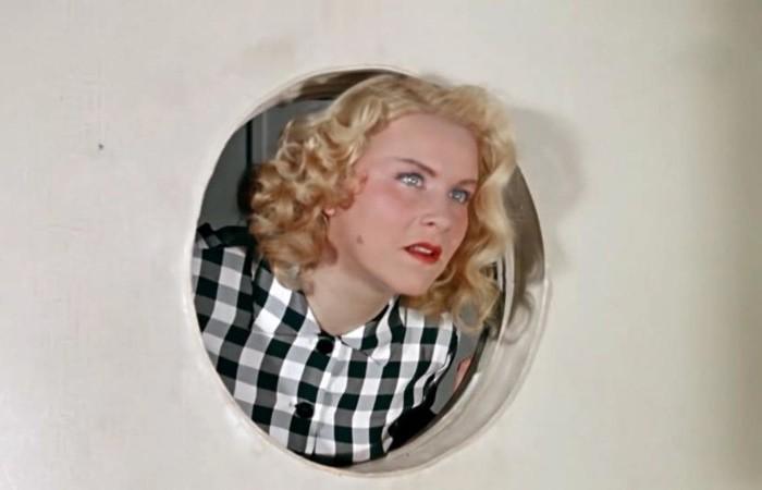 Маргарита Назарова в фильме *Полосатый рейс*, 1961 | Фото: domkino.tv