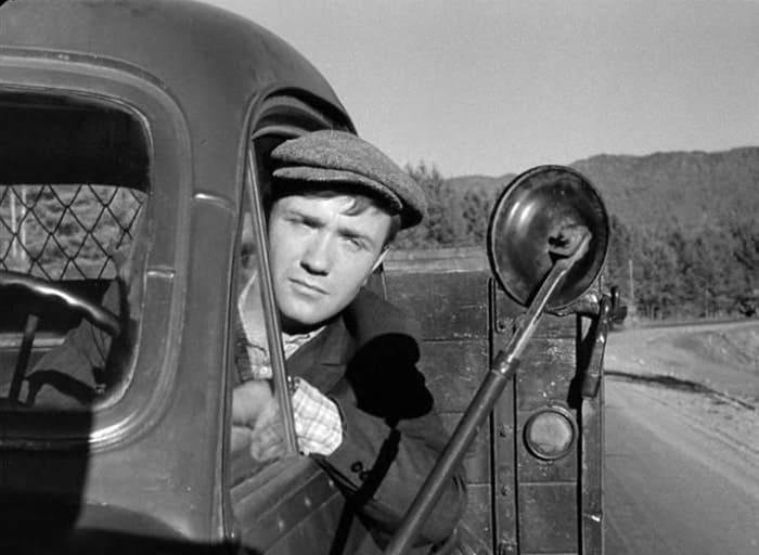 Леонид Куравлев в фильме *Живет такой парень*, 1964 | Фото: host2k.ru