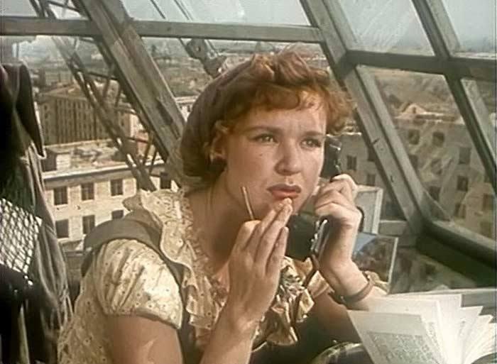 Светлана Харитонова в фильме *Девушка без адреса*, 1957 | Фото: 1tvnet.ru
