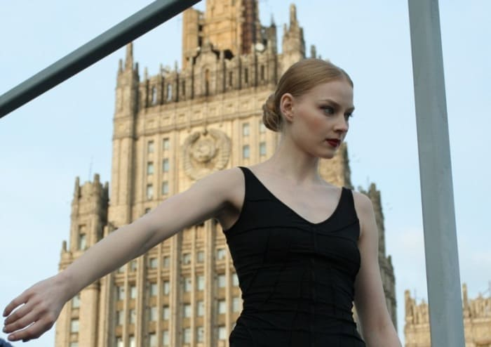 Кадр из фильма *Нулевой километр*, 2007 | Фото: kino-teatr.ru