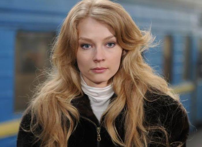 Светлана Ходченкова в сериале *Метод Лавровой*, 2011   Фото: kino-teatr.ru