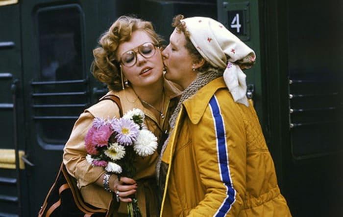 Светлана Крючкова и Нонна Мордюкова в фильме *Родня*, 1981 | Фото: kino-teatr.ru