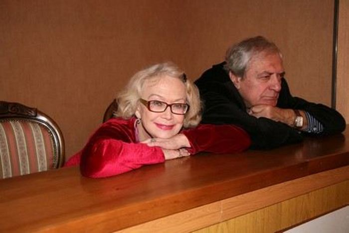 Актриса с мужем, Александром Лазаревым   Фото: uznayvse.ru