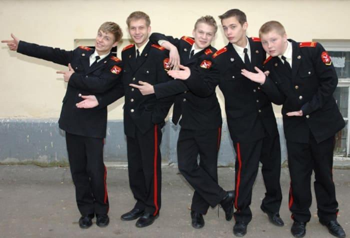 Герои сериала *Кадетство* | Фото: kino-teatr.ru