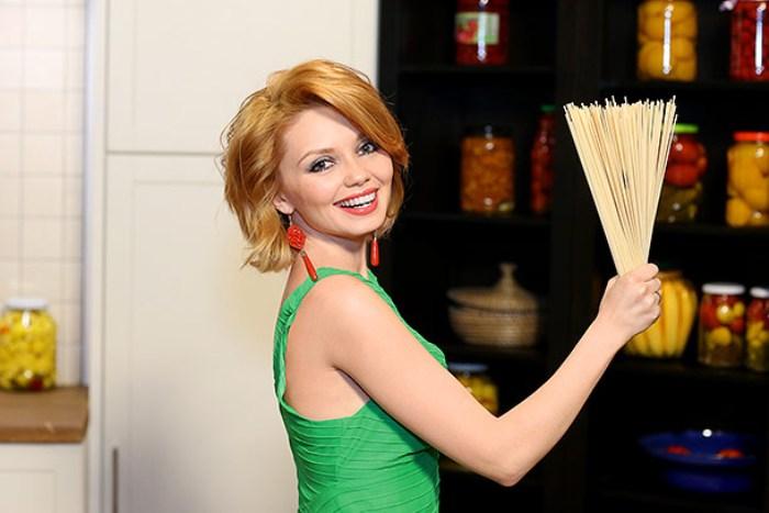 Актриса Ольга Кузьмина | Фото: ru.hellomagazine.com
