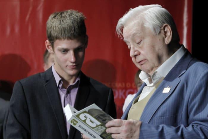 Павел Табаков с отцом   Фото: kino-teatr.ru
