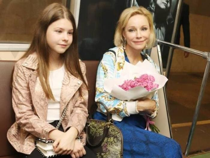 Марина Зудина с дочерью Машей   Фото: 2aktera.ru