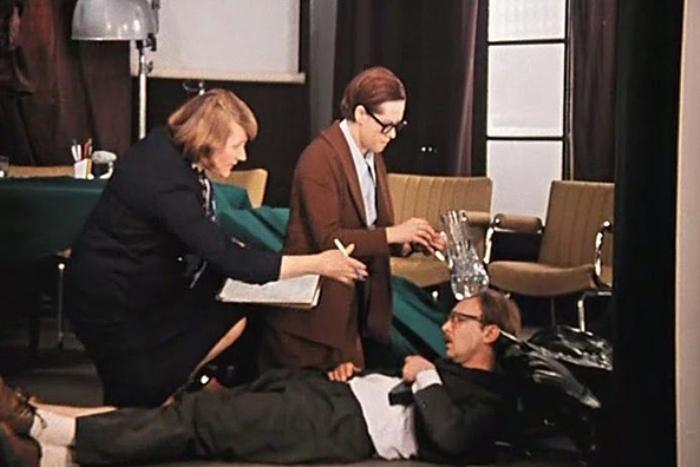 Кадр из фильма *Служебный роман*, 1977 | Фото: liveinternet.ru