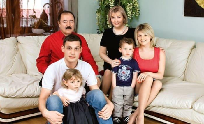 Тамара Акулова с семьей | Фото: 24smi.org