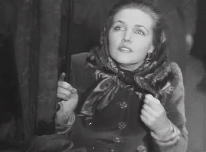 Тамара Макарова в фильме *Большая земля*, 1944 | Фото: kino-teatr.ru
