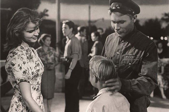 Тамара Семина и Василий Шукшин в фильме *Два Федора*, 1958 | Фото: aif.ru