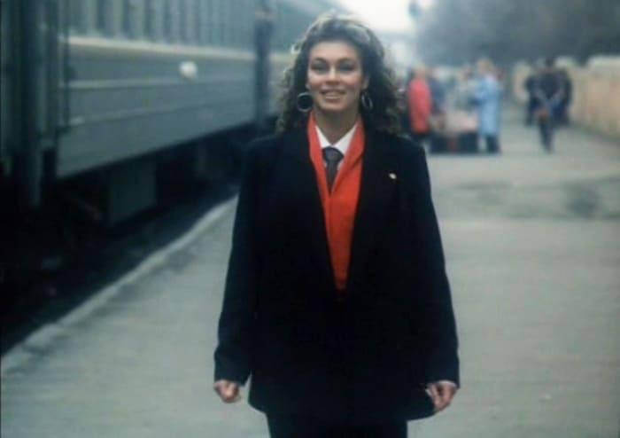 Первая кинороль Татьяны Скороходовой в фильме *Я в полном порядке*, 1989 | Фото: kino-teatr.ru