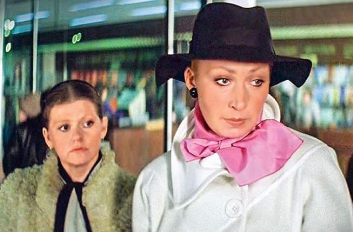 Кадр из фильма *Самая обаятельная и привлекательная*, 1985 | Фото: bulvar.com.ua