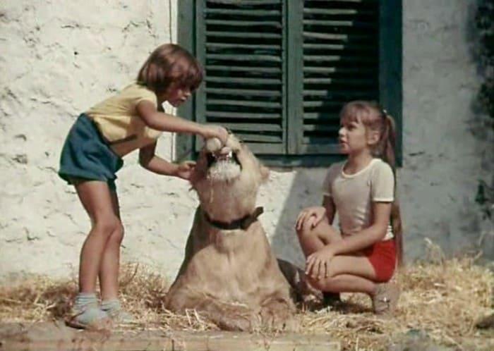 Рома и Ева Берберовы в фильме *У меня есть лев*, 1975 | Фото: kino-teatr.ru