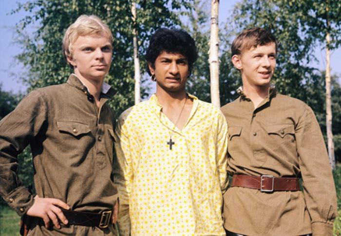 Кадр из фильма *Корона Российской империи, или Снова Неуловимые*, 1970-1971 | Фото: rg.ru