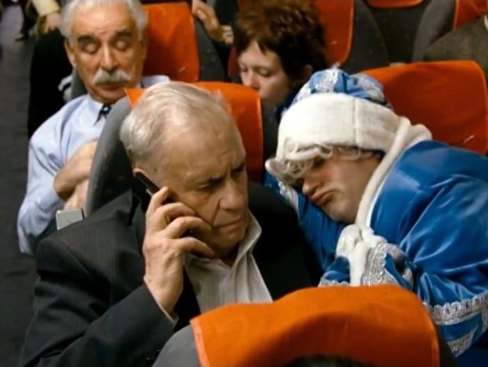 Эльдар Рязанов в фильме *Ирония судьбы. Продолжение*, 2007 | Фото: kino-teatr.ru