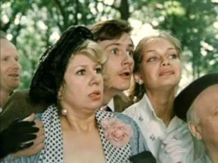 Кадр из фильма *Покровские ворота*, 1982 | Фото: kinoclassika.ru