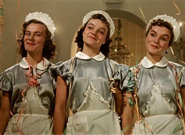 Сестры Шмелевы в фильме *Карнавальная ночь*, 1956   Фото: kino-teatr.ru