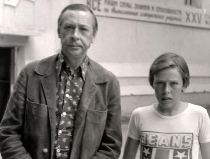 Олег Ефремов с сыном Михаилом   Фото: kino-teatr.ru