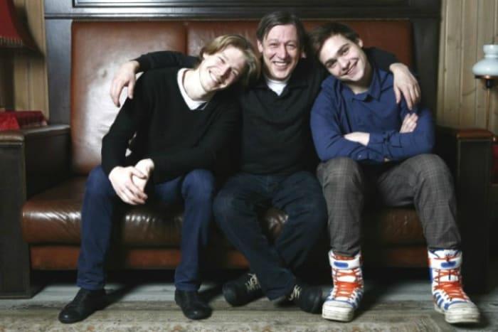 Никита Ефремов с отцом Михаилом и братом Николаем   Фото: 24smi.org